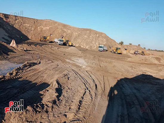 الرمال السوداء مشروع قومى على أرض كفر الشيخ (15)