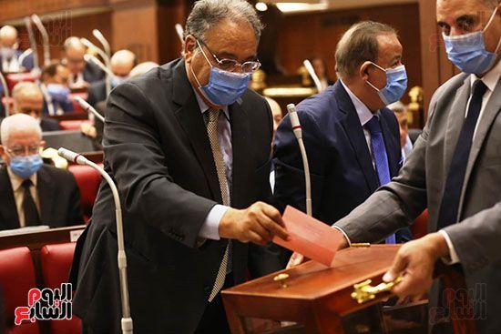 عمليات-التصويت-داخل-مجلس-الشيوخ