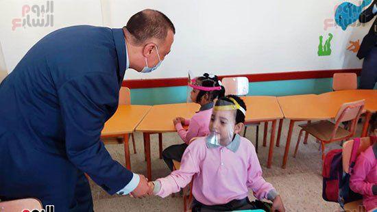 محافظ-الإسكندرية-يفتتح-مجمع-مدارس--(8)