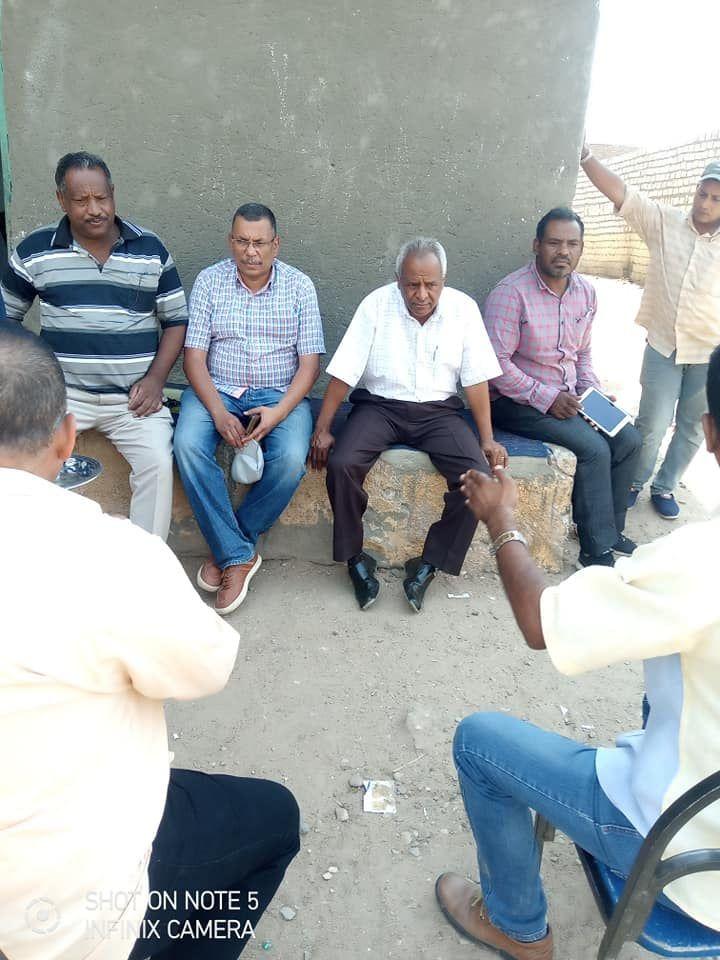 لجنة المتابعه بحافظة اسوان تتفقد قري مبادرة حياة كريمة بكوم امبو (4)