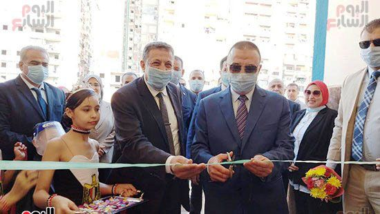 محافظ-الإسكندرية-يفتتح-مجمع-مدارس--(9)