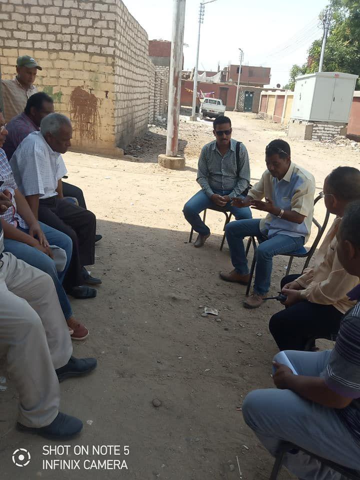 لجنة المتابعه بحافظة اسوان تتفقد قري مبادرة حياة كريمة بكوم امبو (7)