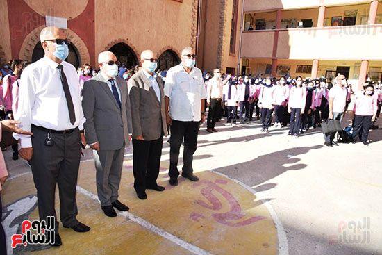 الغضبان-يشارك-طلاب-مدرسة-بورسعيد-الثانوية-بنات-طابور-الصباح-(8)