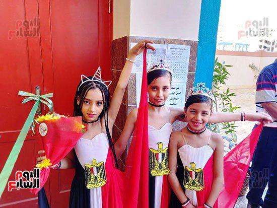 محافظ-الإسكندرية-يفتتح-مجمع-مدارس--(1)