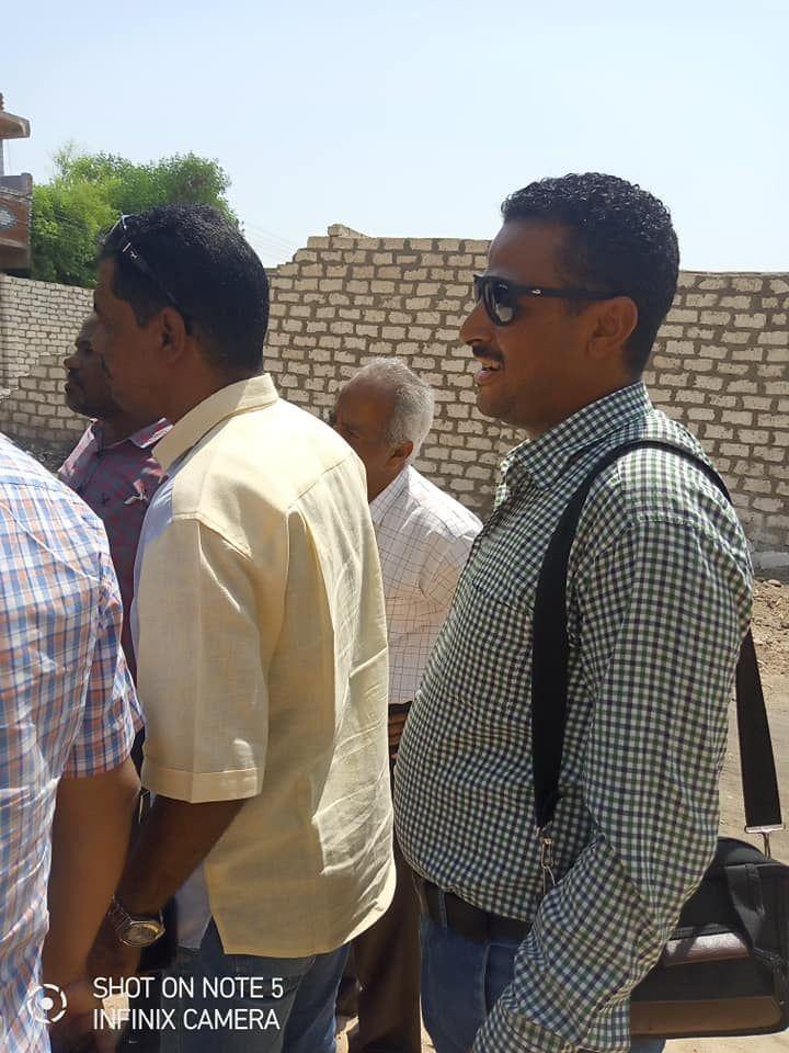 لجنة المتابعه بحافظة اسوان تتفقد قري مبادرة حياة كريمة بكوم امبو (2)