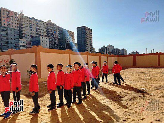 محافظ-الإسكندرية-يفتتح-مجمع-مدارس--(12)
