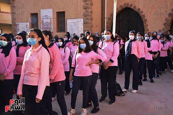 الغضبان-يشارك-طلاب-مدرسة-بورسعيد-الثانوية-بنات-طابور-الصباح-(6)