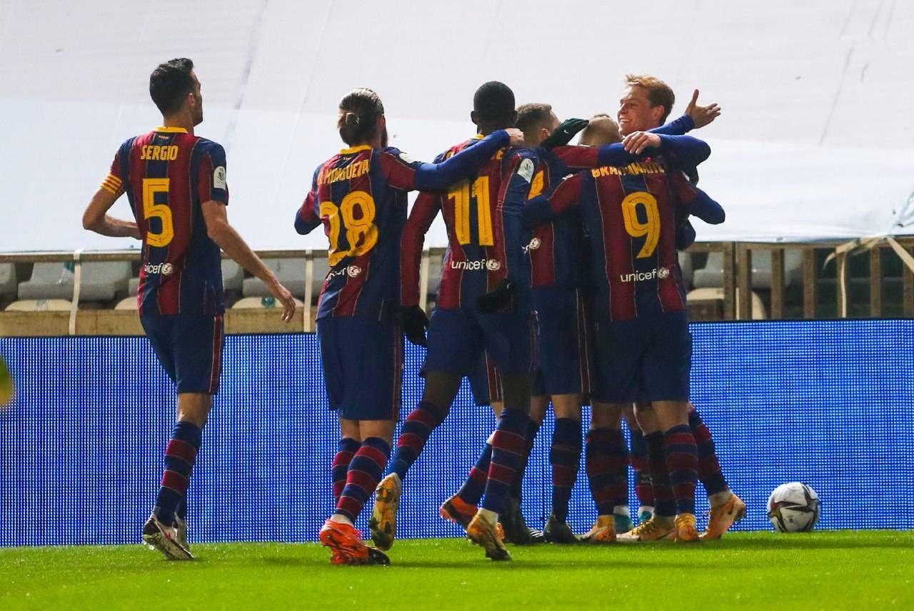 احتفال برشلونة بالهدف الأول