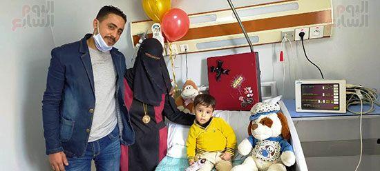 أسرة-الطفل-ريان-تحتفل-بعيد-ميلاده