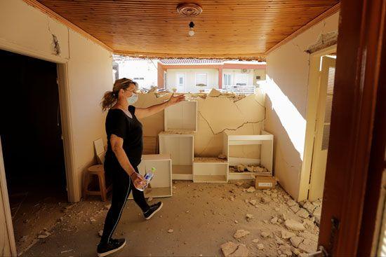 أضرار مادية كبيرة بسبب زلزال بقوة 6.3 ضرب اليونان (7)