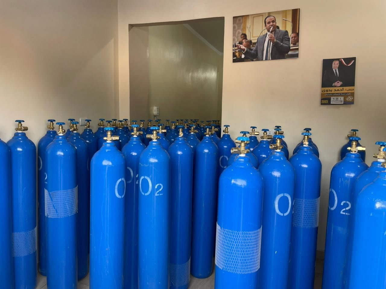 توفير أنابيب الأكسجين للمواطنين