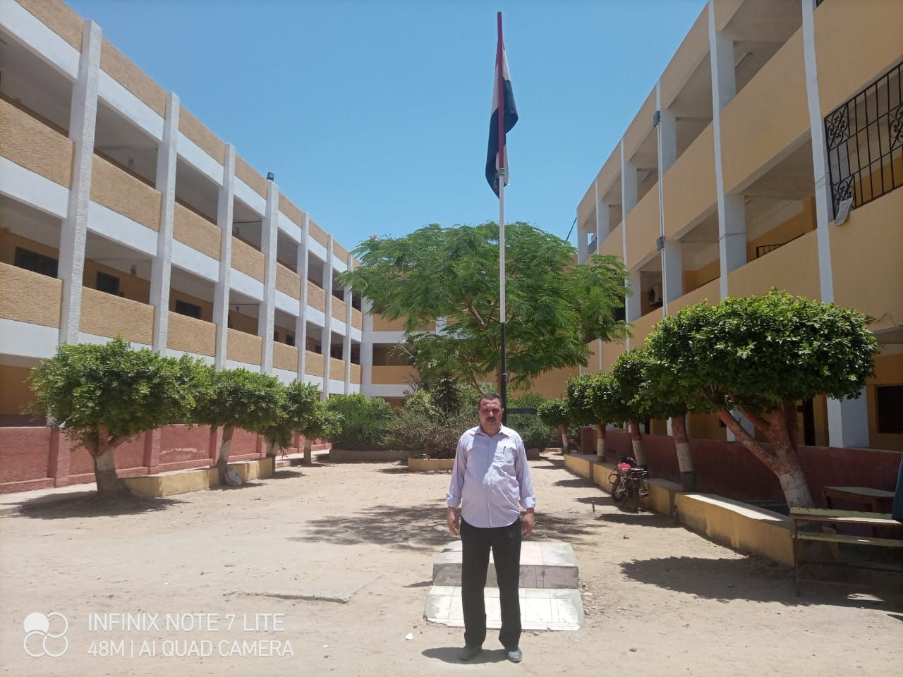 سيد عرفات قبل مغادرة المدرسة