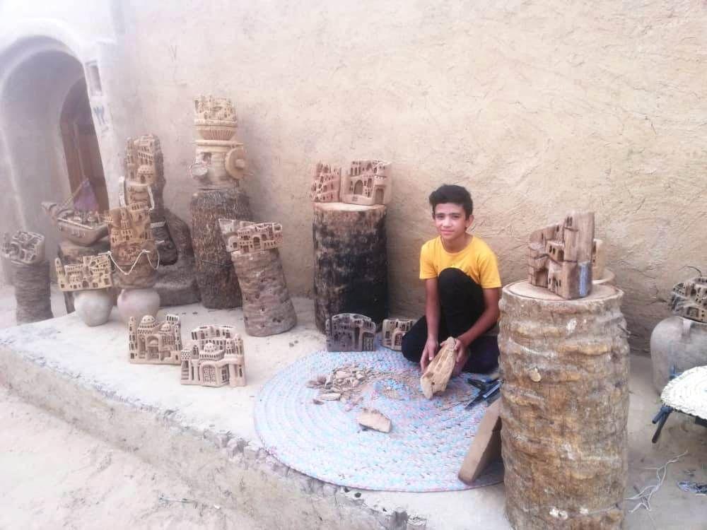 الطفل محمد امام معرض والده بقرية القصر