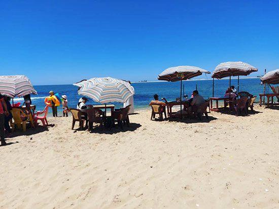 الاستمتاع-بالشاطىء