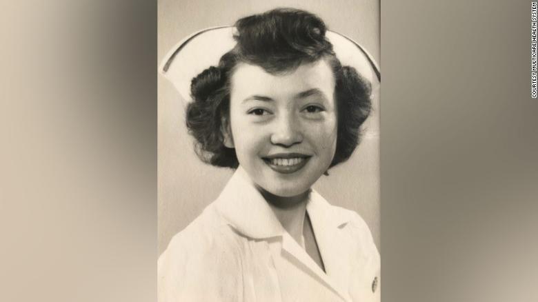 ريجنى عندما كانت طالبة في مدرسة تاكوما العامة للتمريض