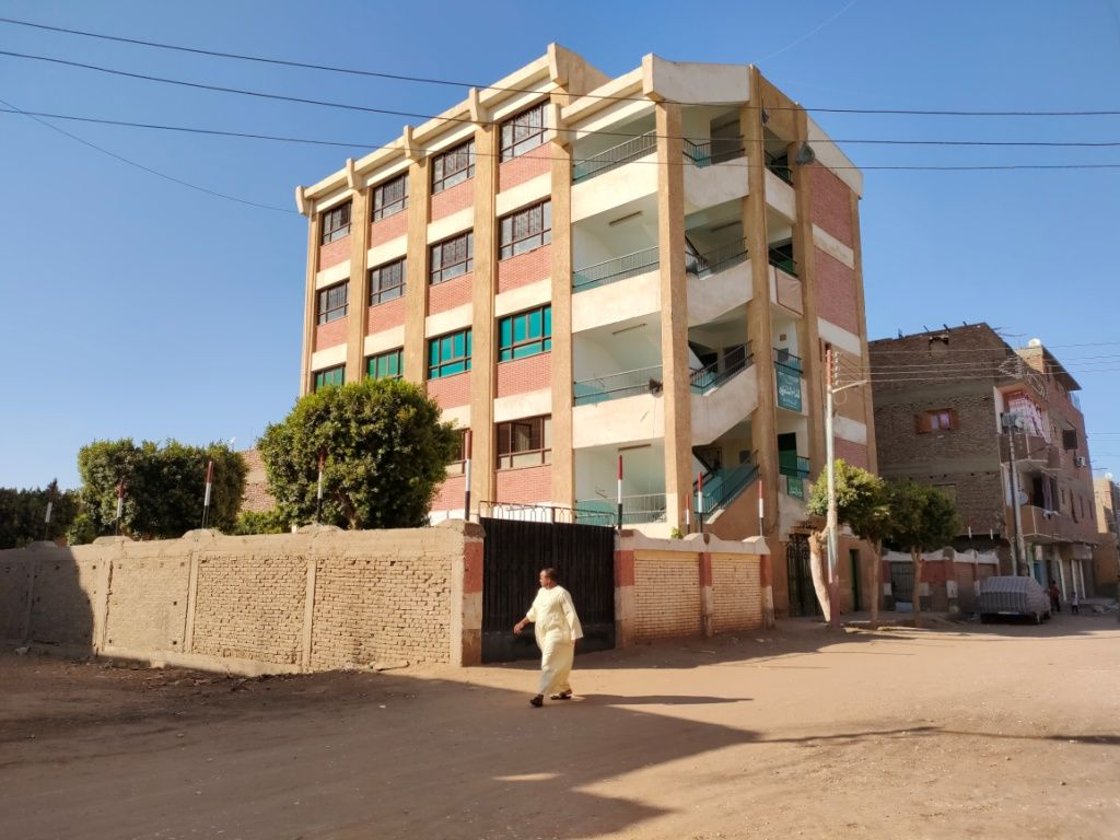 كيف تكاتف 7 آلاف مواطن لبناء مدرسة ومسجد فى قرية العقاربة بالأقصر (1)
