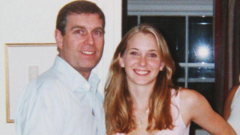 فرجينيا مع الأمير اندرو عام 2001