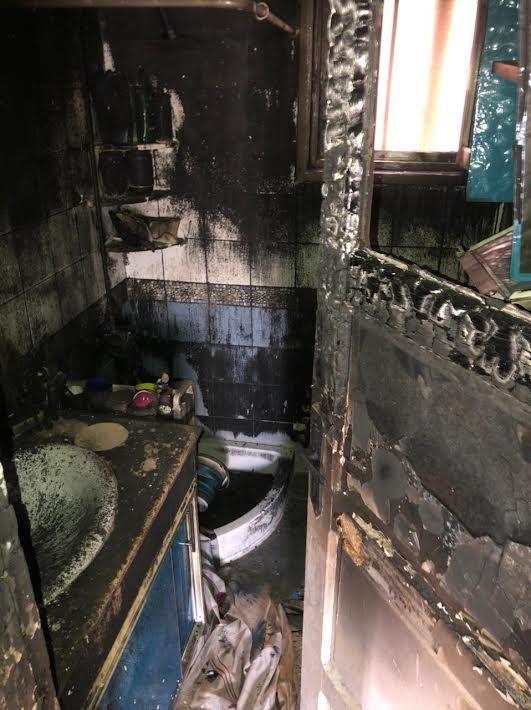 الحريق يلتهم محتويات الشقة بالكام