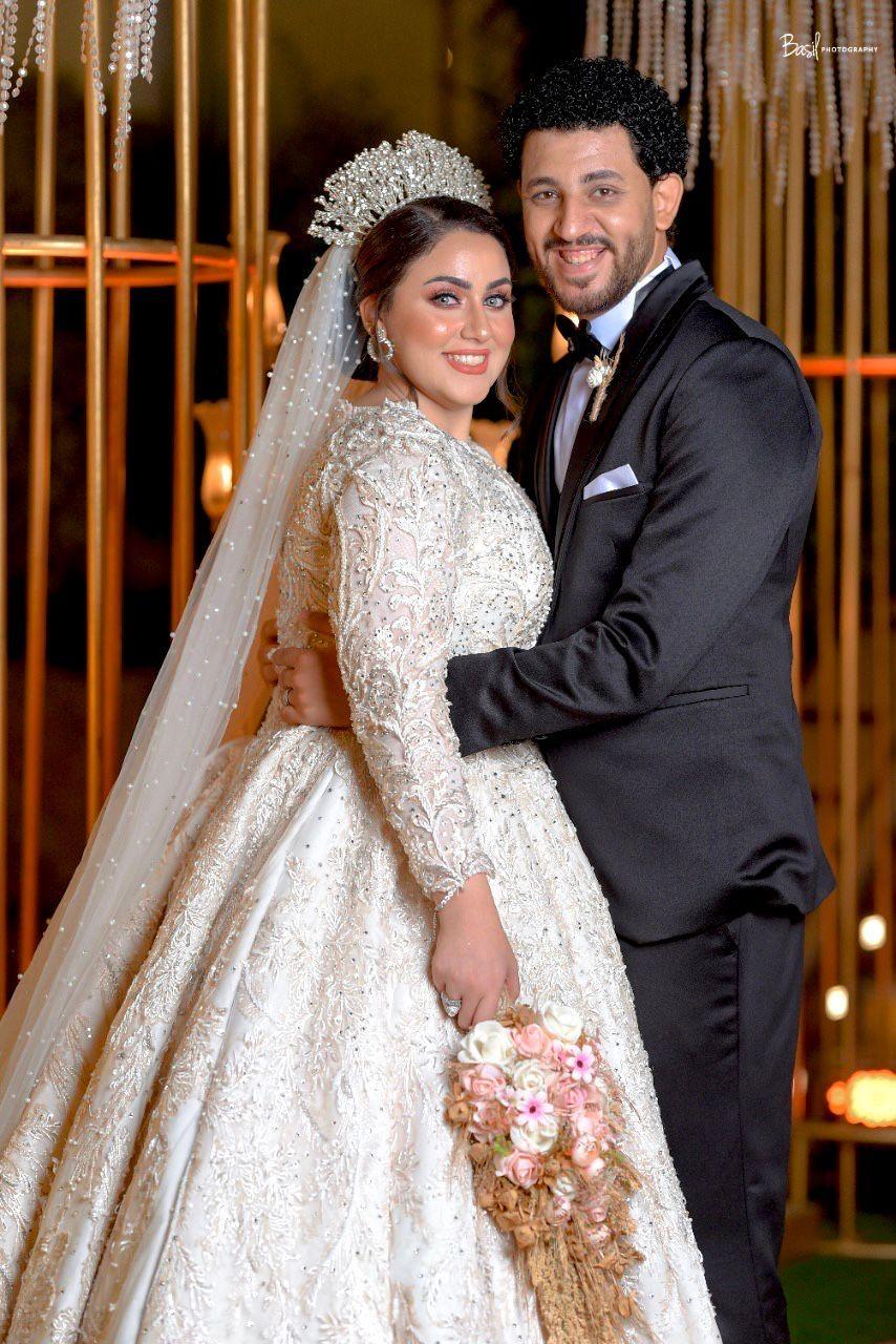 العريس اسلام يطالب الشركة بالتعويض