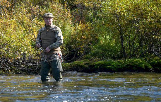 رحلة صيد الأسماك  فى سيبيريا