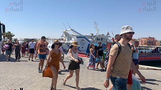 السياح-الاجانب-ك-قبل-الابحار-للجفتون