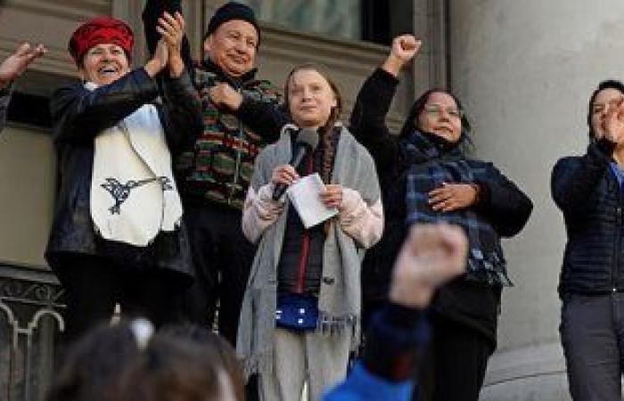 عودة المظاهرات من أجل المناخ لأول مرة بعد كورونا.. مئات الآلاف يشاركون فى إضراب فى 99 دولة.. جارديان: احتجاجات فى أوروبا وأفريقيا وأمريكا للضغط على القادة لمعالجة الأزمة البيئية.. وتزايد الآمال قبل قمة COP26