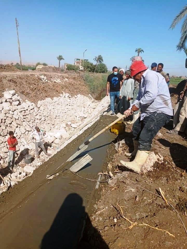 جانب من تبطين الترع بمحافظة سوهاج
