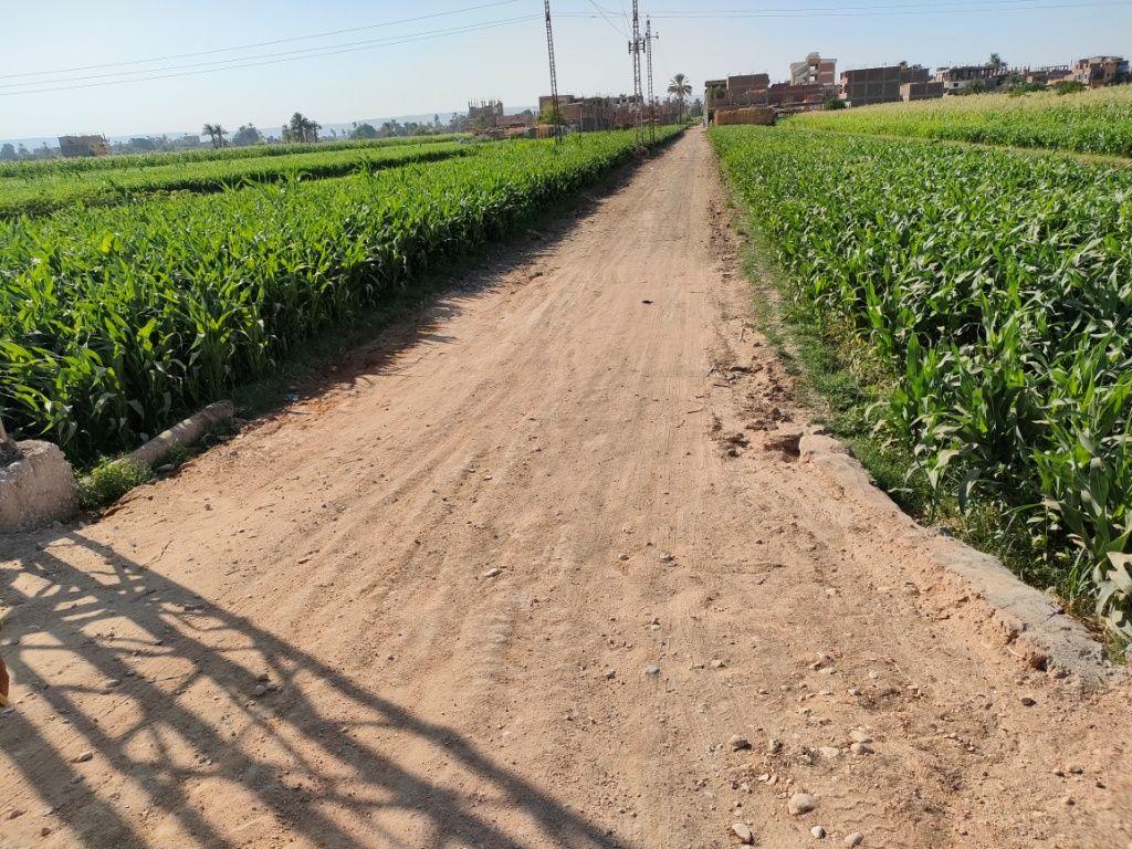 الطريق الجديد داخل القرية بتبرعات الأهالى