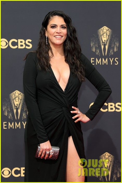cecily-strong-emmy-awards-2021-02