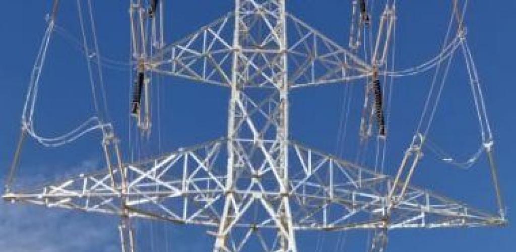 بعد 3 سنوات من الدراسة.. مصر والسعودية يوقعان اتفاقية الربط الكهربائى بقدرة 3000 ميجا وات أول نوفمبر.. تشغيل المرحلة الأولى يونيو 2024 بتكلفة استثمارية 10 مليارات جنيه.. والمشروع يسمح ببيع الطاقة لدول الخليج